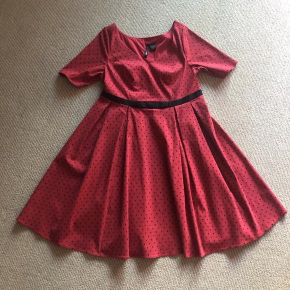 Red polka dot 50s-style plus size dress
